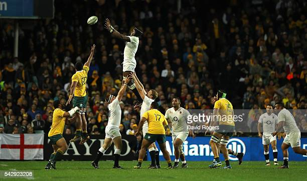 Maro Itoje of England wins the lineout ball during the International Test match between the Australian Wallabies and England at Allianz Stadium on...