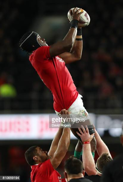 Maro Itoje of the Lions wins lineout ball during the third test match between the New Zealand All Blacks and the British Irish Lions at Eden Park on...