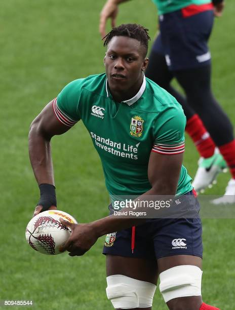 Maro Itoje passes the ball during the British Irish Lions training session at QBE Stadium on July 6 2017 in Auckland New Zealand