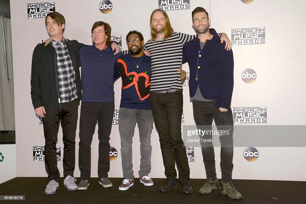 maroon-five-arrives-at-the-2016-american-music-awards-at-microsoft-picture-id624818278