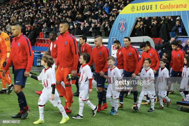 Marquinhos Alphonse Areola Marco Verratti Angel Di Maria Yuri Berchiche and Javier Pastore of Paris SaintGermain before the Ligue 1 match between...
