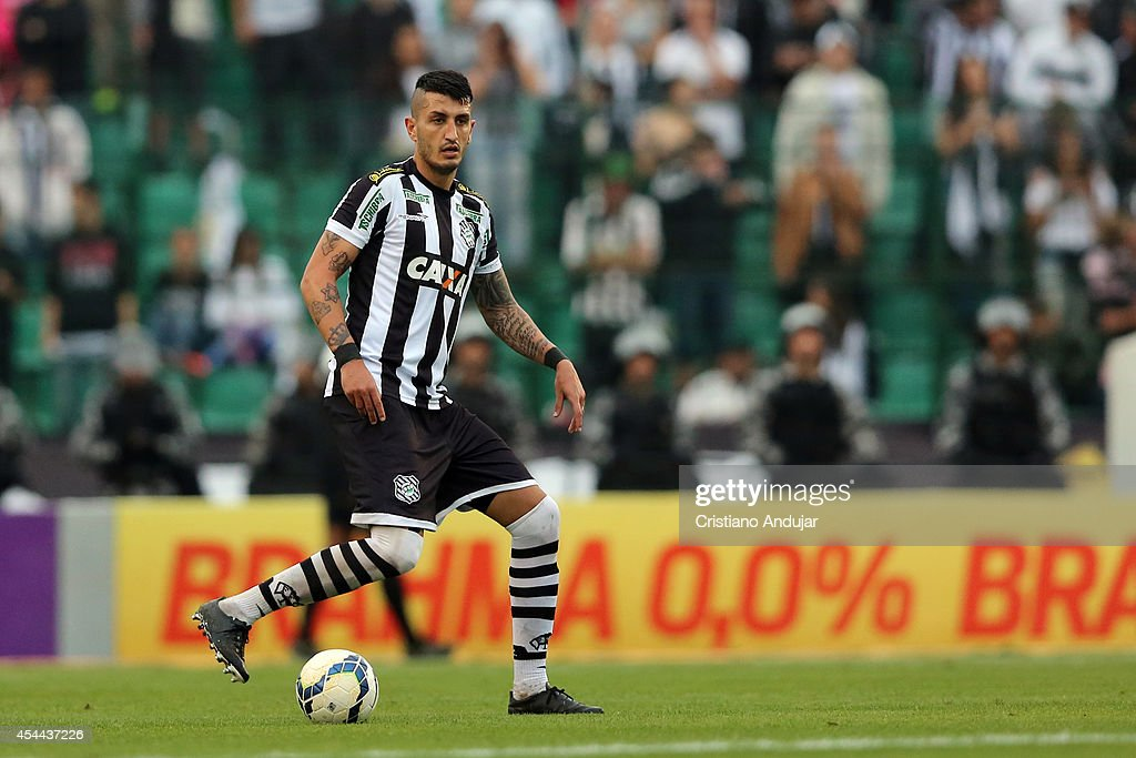 Marquinhos #3 of Figueirense in action during a match between Figueirense and Sao Paulo as part of Campeonato Brasileiro 2014 at Orlando Scarpelli Stadium on August 31, 2014 in Florianopolis, Brazil