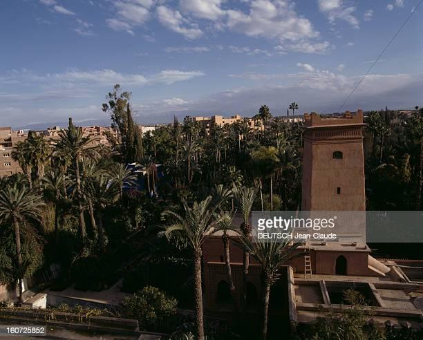 Marrakech Marrakech février 1988 Vue de palmeraies entourées de bâtiments