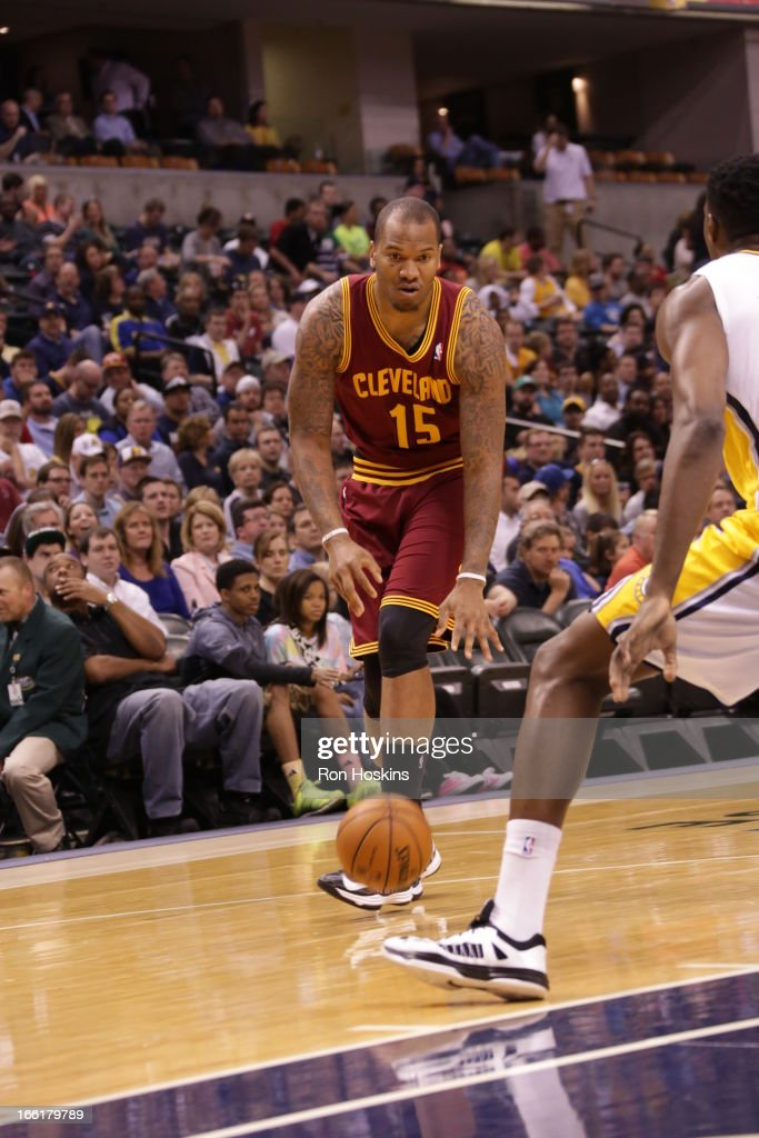 Marreese Speights #15 of the Cleveland Cavaliers dribbles the ball against the Indiana Pacers on April 8, 2013 at Bankers Life Fieldhouse in Indianapolis, Indiana.