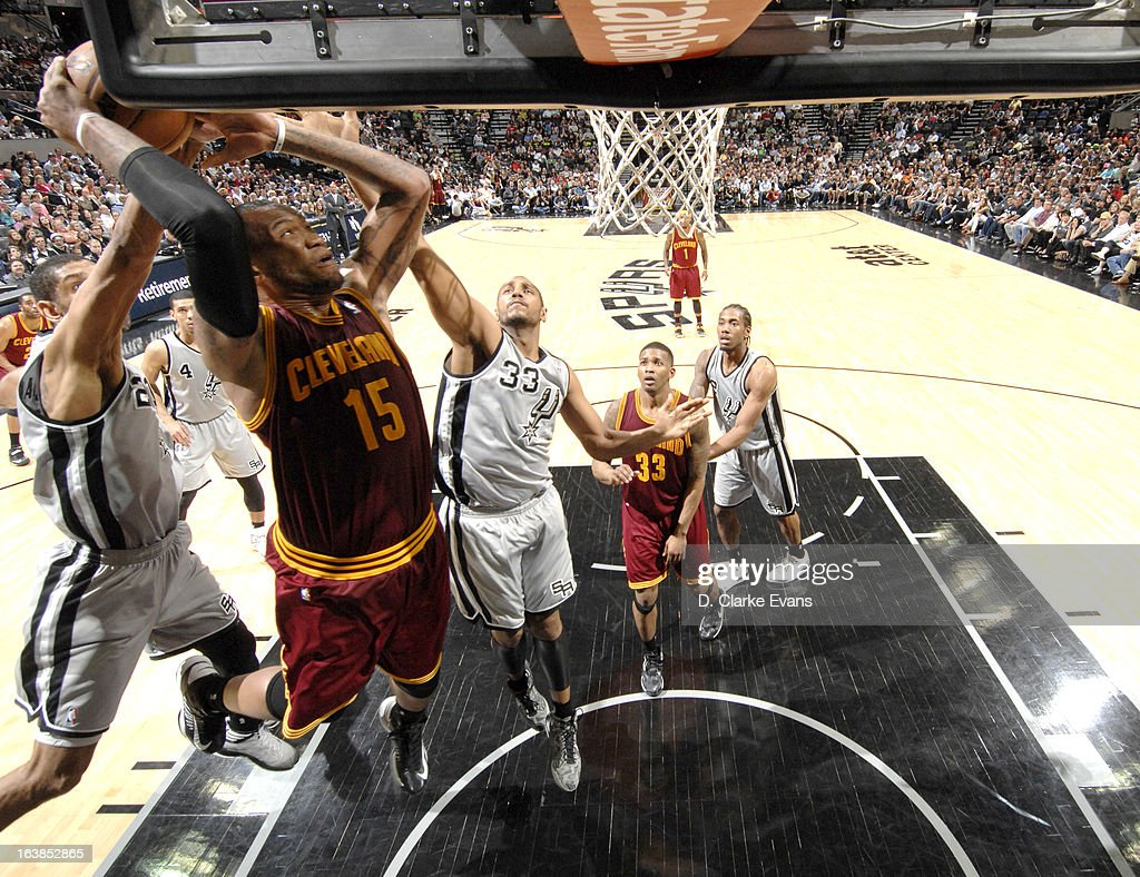 Marreese Speights #15 of the Cleveland Cavaliers goes to the basket during the game between the Cleveland Cavaliers and the San Antonio Spurs on March 16, 2013 at the AT&T Center in San Antonio, Texas.