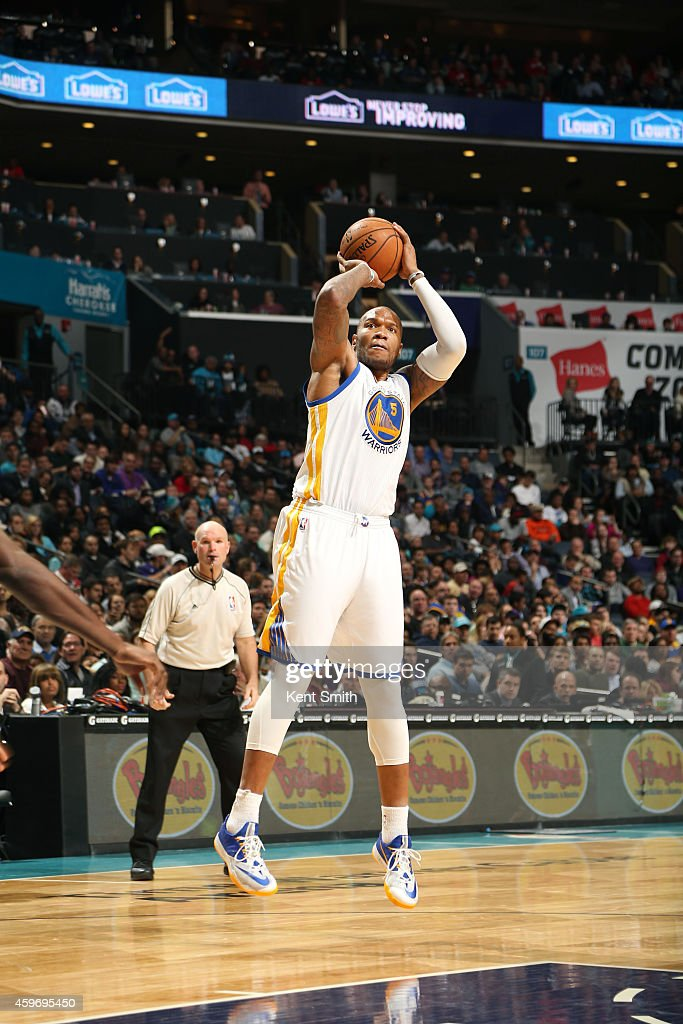 <a gi-track='captionPersonalityLinkClicked' href=/galleries/search?phrase=Marreese+Speights&family=editorial&specificpeople=4187263 ng-click='$event.stopPropagation()'>Marreese Speights</a> #5 of the Golden State Warriors shoots against the Charlotte Hornets during the game at the Time Warner Cable Arena on November 28, 2014 in Charlotte, North Carolina.
