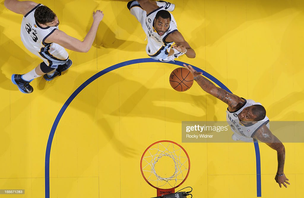<a gi-track='captionPersonalityLinkClicked' href=/galleries/search?phrase=Marreese+Speights&family=editorial&specificpeople=4187263 ng-click='$event.stopPropagation()'>Marreese Speights</a> #5 of the Memphis Grizzlies rebounds the ball against the Golden State Warriors on November 2, 2012 at Oracle Arena in Oakland, California.