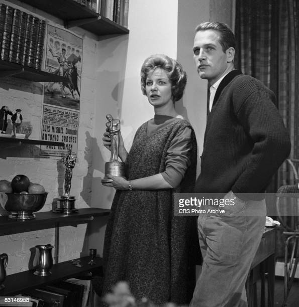 Married American actors Paul Newman and Joanne Woodward being interviewed in their 11th Street home by Edward R Murrow via camera on the celebrity...