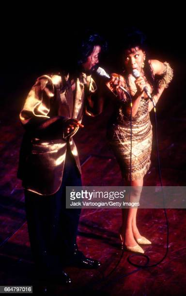 Married American RB and Soul musician Nick Ashford and Valerie Simpson perform a duet onstage during the 'Lena An 80th Birthday Celebration' Lena...