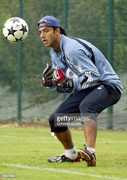 Marseille Egyptian forward Ahmed Mido Hossam plays with a ball 30 September 2003 during a training session on th eve of their Champions League Group...