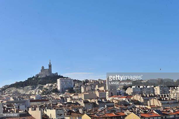 Marseille Marseille France 21 février 2011 La basilique NotreDame de la Garde
