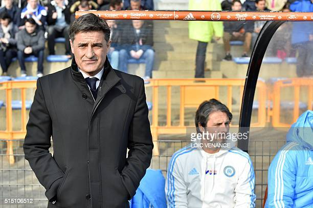 Marseille's Spanish head coach Jose Miguel Gonzalez Martin del Campo aka Michel waits for the beginning of the French L1 football match between...