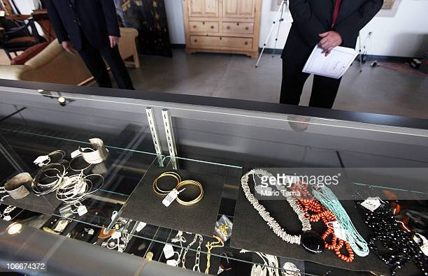 S Marshals keep watch over jewelry at a press preview of an auction of 400 pieces of personal property jewelry and antiques from Bernard and Ruth...