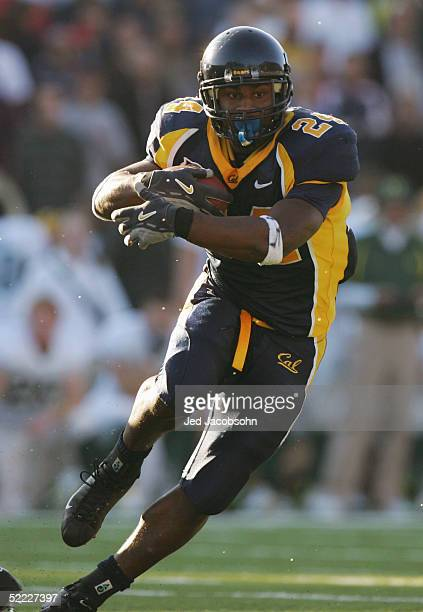 Marshawn Lynch of the California Golden Bears carries the ball during the game against the Oregon Ducks at Memorial Stadium on November 6 2004 in...