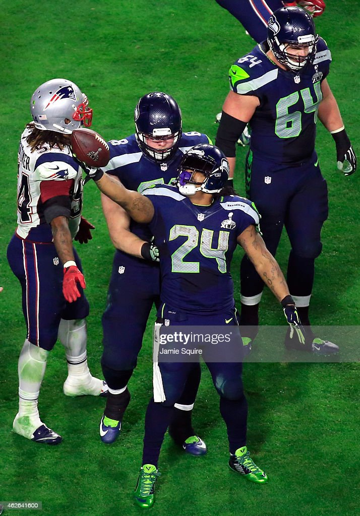 Marshawn Lynch #24 of the Seattle Seahawks reacts after a play in the third quarter against the New England Patriots during Super Bowl XLIX at University of Phoenix Stadium on February 1, 2015 in Glendale, Arizona.