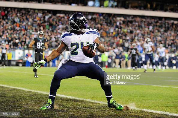 Marshawn Lynch of the Seattle Seahawks scores a touchdown against the Philadelphia Eagles during the third quarter of the game at Lincoln Financial...