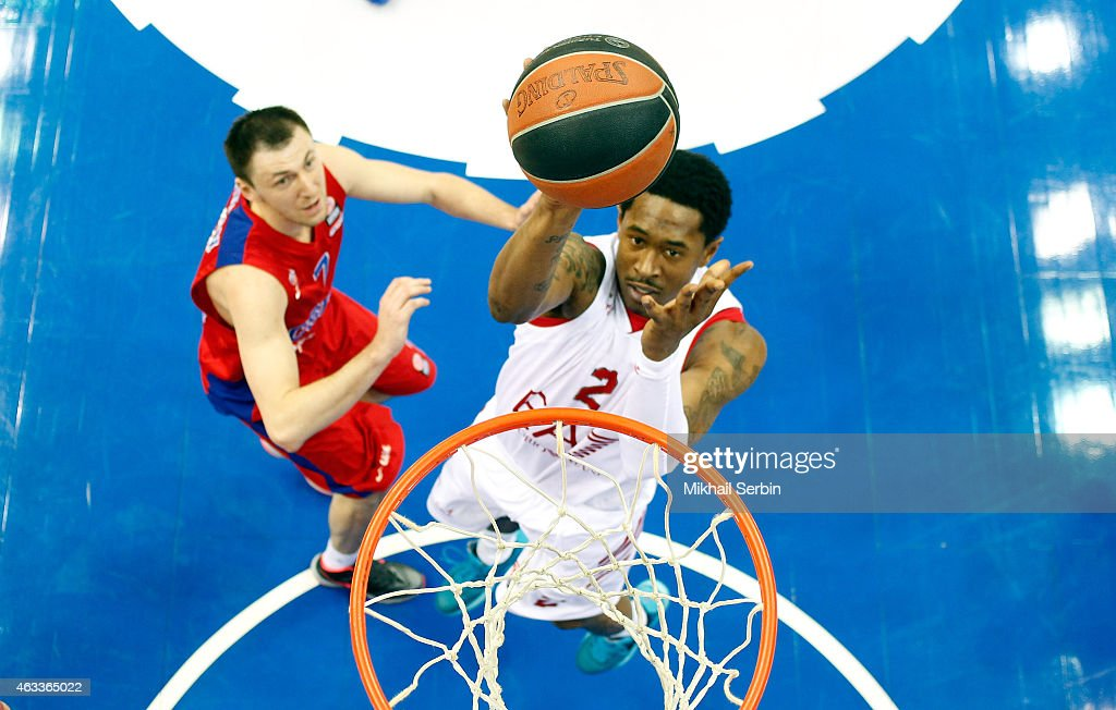 Marshon Brooks, #2 of EA7 Emporio Armani Milan competes with <a gi-track='captionPersonalityLinkClicked' href=/galleries/search?phrase=Vitaly+Fridzon&family=editorial&specificpeople=2240406 ng-click='$event.stopPropagation()'>Vitaly Fridzon</a>, #7 of CSKA Moscow in action during the Turkish Airlines Euroleague Basketball Top 16 Date 7 game between CSKA Moscow v EA7 Emporio Armani Milan at USH CSKA on February 13, 2015 in Moscow, Russia.
