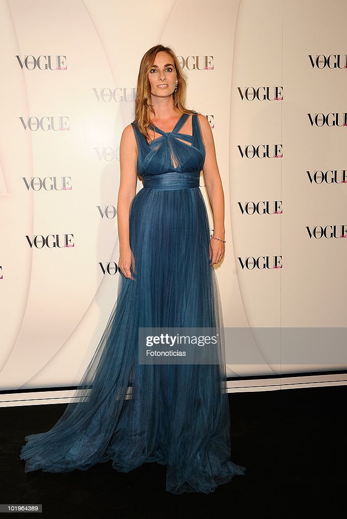 Marta Reyero arrives to the 'VII Vogue Joyas Awards' (VII Vogue Jewellery Awards) at the Madrid Stock Exchange Building on June 10, 2010 in Madrid, Spain.