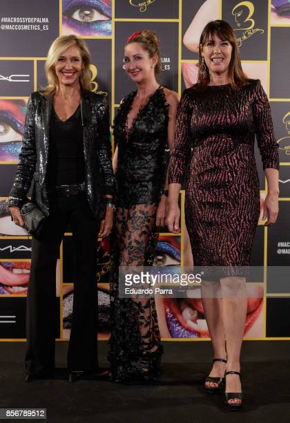 Marta Robles Amaya San gil and Mabel Lozano attend the 'MAC collection' photocall at El Principito disco on October 2 2017 in Madrid Spain