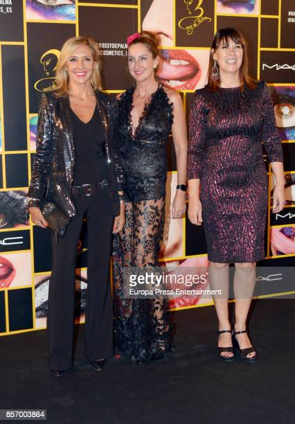 Marta Robles and Mabel Lozano attend the 'MAC collection' photocall at El Principito disco on October 2 2017 in Madrid Spain