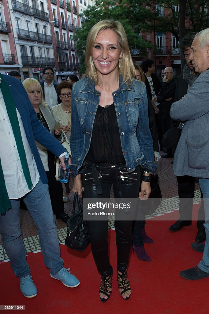 <a gi-track='captionPersonalityLinkClicked' href=/galleries/search?phrase=Marta+Robles&family=editorial&specificpeople=2201316 ng-click='$event.stopPropagation()'>Marta Robles</a> is seen arriving to 'Nuestros Amantes' premiere at Palafox Cinema on May 30, 2016 in Madrid, Spain.