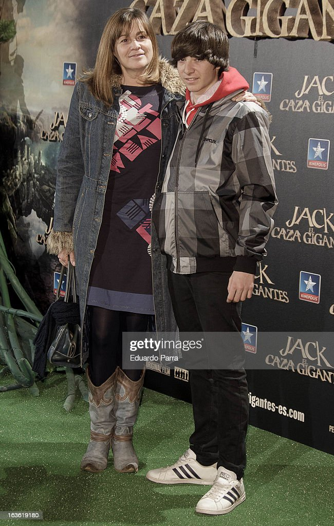 Marta Valverde and son attend 'Jack el Caza Gigantes' premiere photocall at Kinepolis cinema on March 13, 2013 in Madrid, Spain.