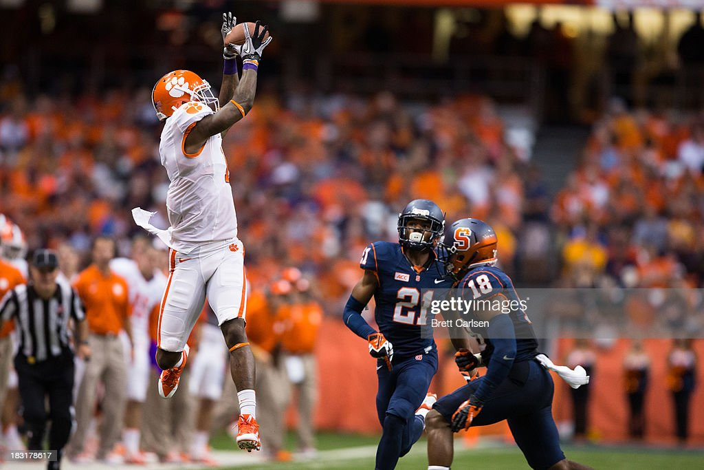 Martavis Bryant #1 of Clemson Tigers jumps for a reception against the Syracuse Orange during the second quarter of their football game against Syracuse Orange on October 5, 2013 at the Carrier Dome in Syracuse, New York.