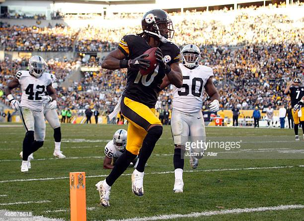 Martavis Bryant of the Pittsburgh Steelers in action during the game against the Oakland Raiders on November 8 2015 at Heinz Field in Pittsburgh...