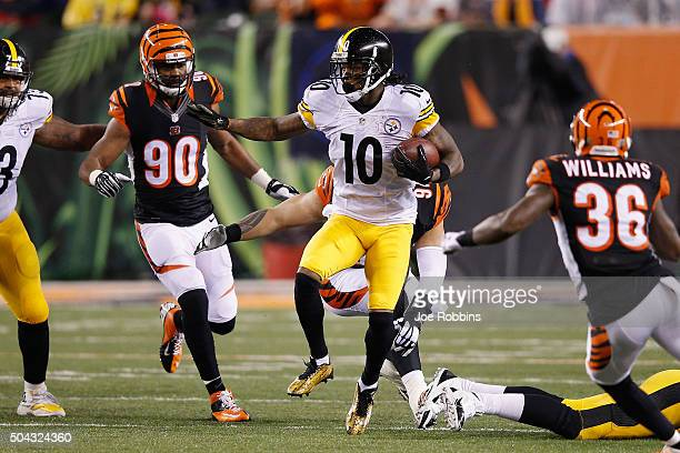 Martavis Bryant of the Pittsburgh Steelers runs with the ball in the third quarter against the Cincinnati Bengals during the AFC Wild Card Playoff...