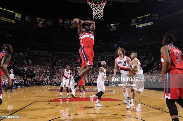 Martell Webster of the Washington Wizards dunks against the Portland Trail Blazers on March 20 2014 at the Moda Center Arena in Portland Oregon NOTE...