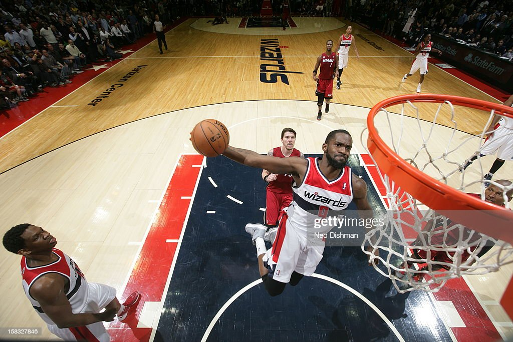 Martell Webster #9 of the Washington Wizards dunks the ball against the Miami Heat at the Verizon Center on December 4, 2012 in Washington, DC.