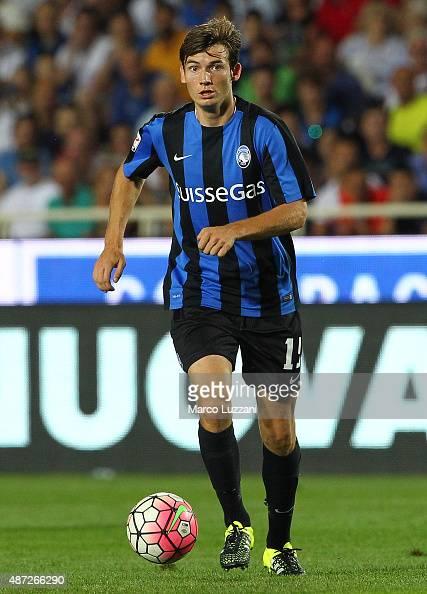Marten De Roon of Atalanta BC in action during the Serie A match between Atalanta BC and Frosinone Calcio at Stadio Atleti Azzurri d'Italia on August...