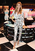Victoria's Secret Angel Martha Hunt Kicks Off Summer...
