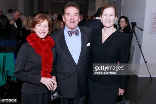 Martha Leitner Paul Leitner and Anne Bodnar attend SCULPTURE CENTER Gala Honoring LYNDA BENGLIS And PETER STEVENS at Metropolitan Pavilion on...