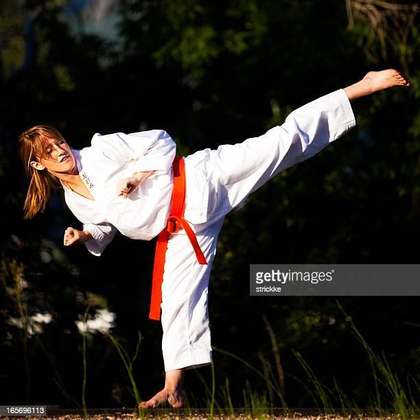 Arts martiaux coup de pied de côté
