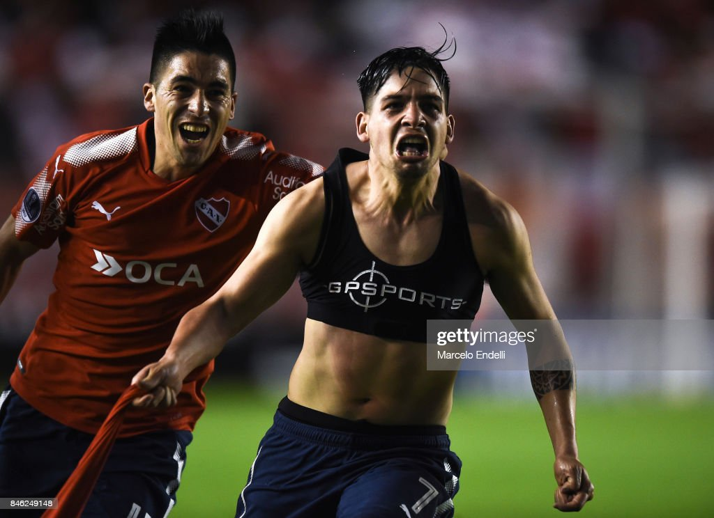 Martin Benitez of Independiente celebrates with teammate Leandro Fernandez after scoring the second goal of his team during a second leg match between Independiente and Atletico Tucuman as part of round of 16 of Copa CONMEBOL Sudamericana 2017 at Libertadores de America Stadium on September 12, 2017 in Avellaneda, Argentina.