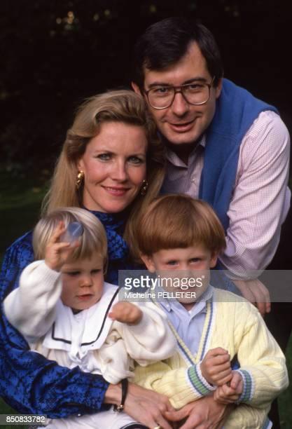 Martin Bouygues avec sa femme et ses enfants le 16 octobre 1988 France