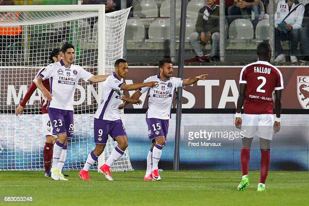 Martin Braithwaite of Toulouse celebrates scoring his goal during the Ligue 1 match between FC Metz and Toulouse FC at Stade SaintSymphorien on May...