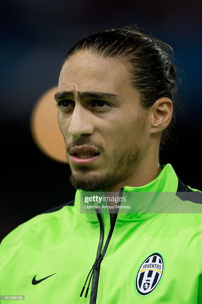 Martin Caceres of Juventus looks on prior to start the UEFA Champions League group A match between Club Atletico de Madrid and Juventus at Vievnte...