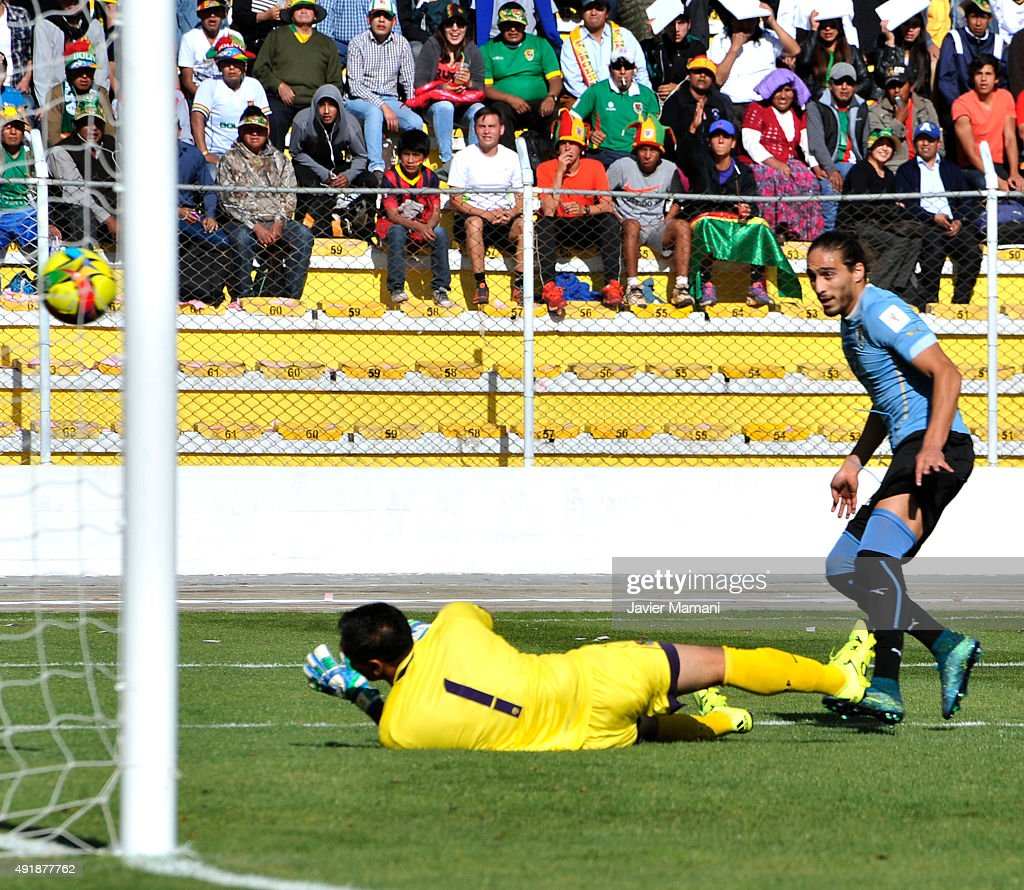 Martin Caceres of Uruguay shoots to score the opening goal during a match between Bolivia and Uruguay as part of FIFA 2018 World Cup Qualifier at Hernando Siles Stadium on October 08, 2015 in La Paz, Bolivia.