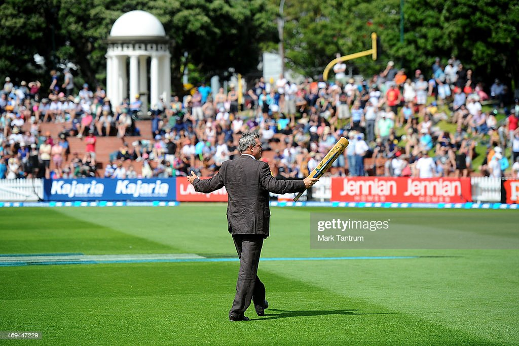 <a gi-track='captionPersonalityLinkClicked' href=/galleries/search?phrase=Martin+Crowe&family=editorial&specificpeople=2174248 ng-click='$event.stopPropagation()'>Martin Crowe</a> responds to the crowds request for a ball to be hit to them during the 'One Year To Go' to the ICC Cricket World Cup announcement at the Basin Reserve on February 15, 2014 in Wellington, New Zealand.
