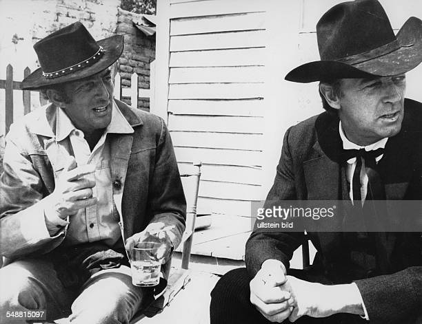 Martin Dean Actor Singer Entertainer USA * with Robert Michum during the film shots in Rincon / Chupaderas Photographer Erich Kocian Published in...