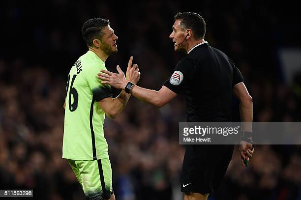 Martin Demichelis of Manchester City remonstrates with referee Andre Marriner after conceding a penalty during The Emirates FA Cup fifth round match...