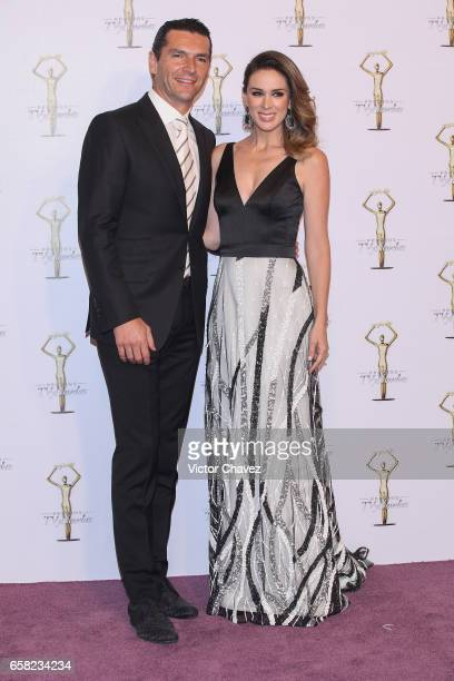 Martin Fuentes and Jacqueline Bracamontes attend Premios Tv y Novelas 2017 at Televisa San Angel on March 26 2017 in Mexico City Mexico