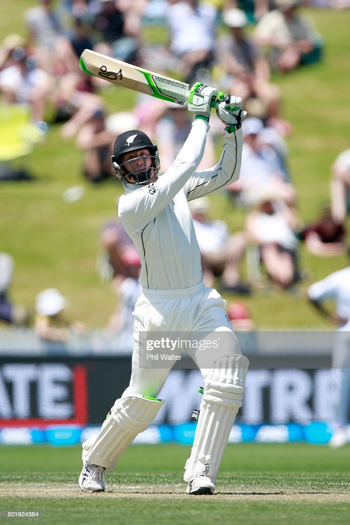 <a gi-track='captionPersonalityLinkClicked' href=/galleries/search?phrase=Martin+Guptill&family=editorial&specificpeople=797559 ng-click='$event.stopPropagation()'>Martin Guptill</a> of New Zealand bats during day two of the Second Test match between New Zealand and Sri Lanka at Seddon Park on December 19, 2015 in Hamilton, New Zealand.