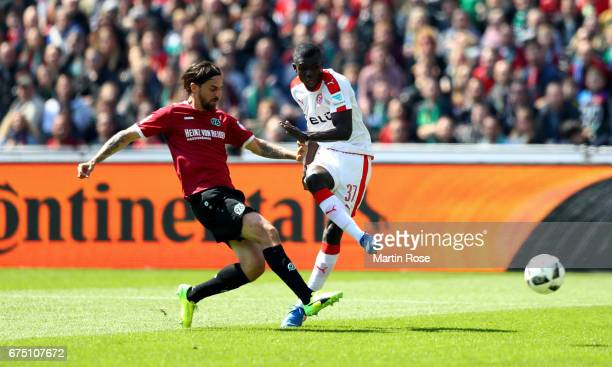 Martin Harnik of Hannover and Ihlas Bebou of Duesseldorf battle for the ball during the Second Bundesliga match between Hannover 96 and Fortuna...