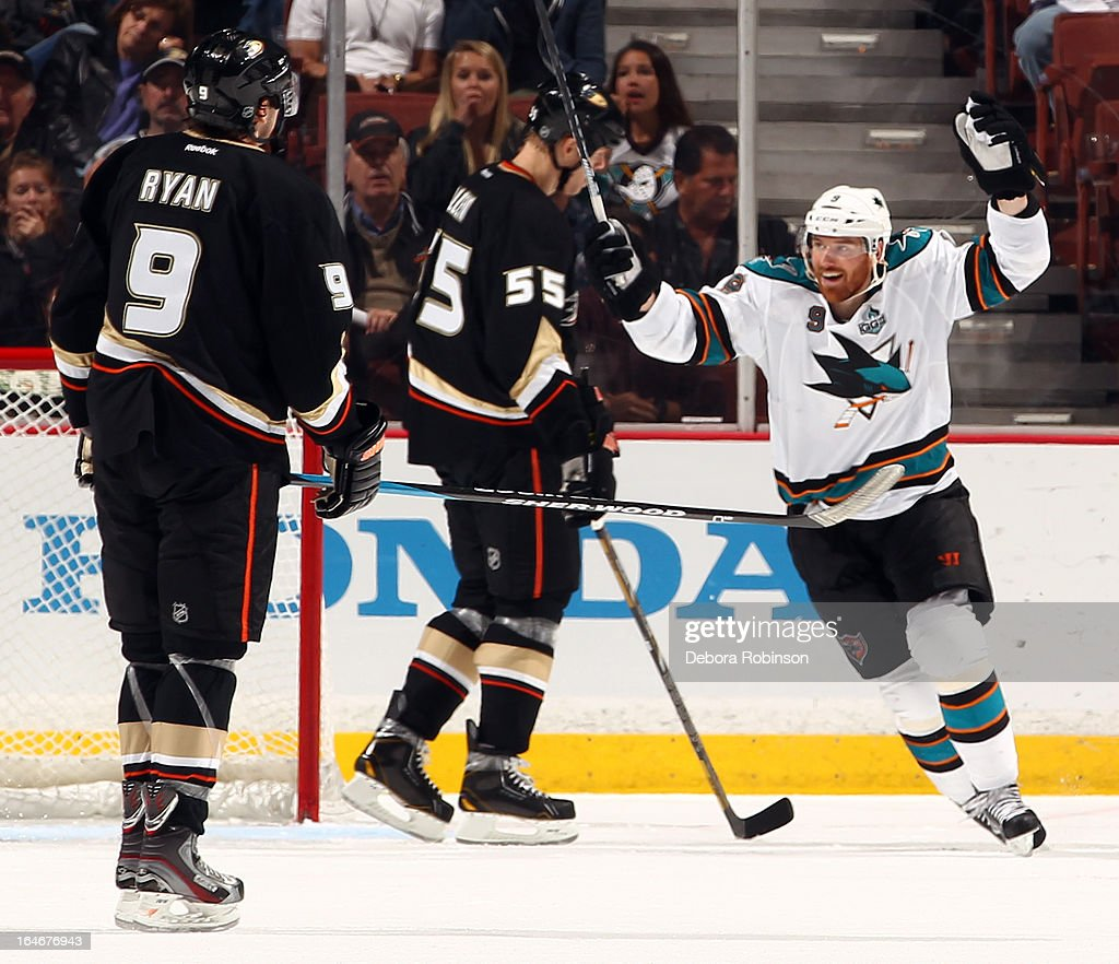 Martin Havlat #9 of the San Jose Sharks celebrates during the game as Bobby Ryan #9 and Bryan Allen #55 of the Anaheim Ducks look on during the game on March 25, 2013 at Honda Center in Anaheim, California.