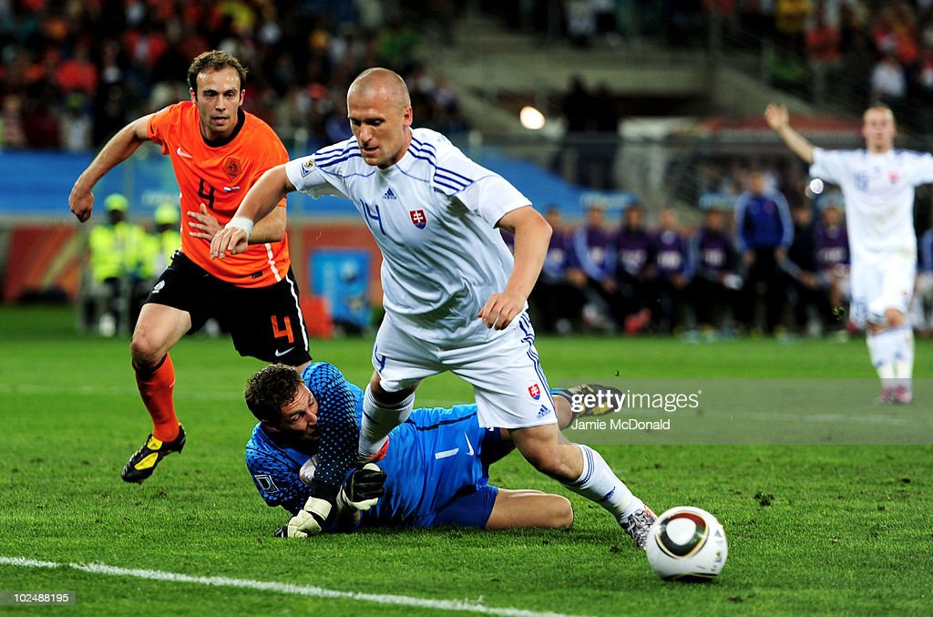 Netherlands v Slovakia: 2010 FIFA World Cup - Round of Sixteen