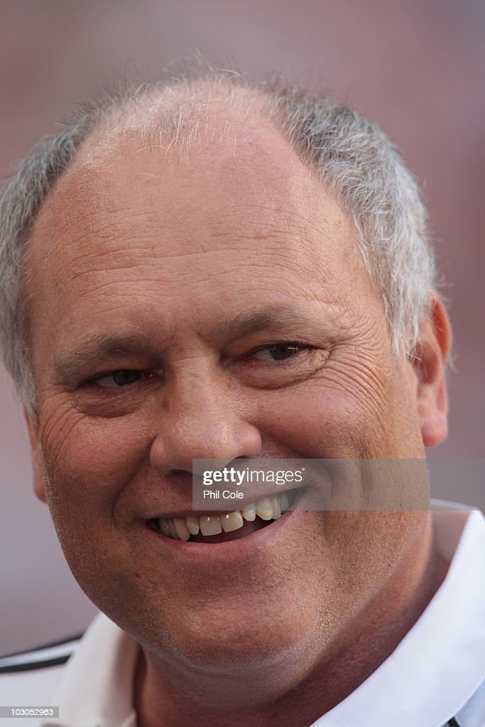<a gi-track='captionPersonalityLinkClicked' href=/galleries/search?phrase=Martin+Jol&family=editorial&specificpeople=215368 ng-click='$event.stopPropagation()'>Martin Jol</a> Manager of Ajax during a Pre-seson Friendly match between Chelsea and Ajax at Amsterdam Arena on July 23, 2010 in Amsterdam, Netherlands.