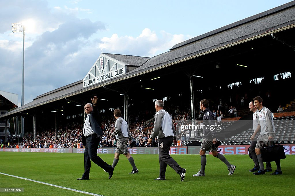 <a gi-track='captionPersonalityLinkClicked' href=/galleries/search?phrase=Martin+Jol&family=editorial&specificpeople=215368 ng-click='$event.stopPropagation()'>Martin Jol</a> manager of Fulham waves to the crowd ahead of the UEFA Europa League qualifying match between Fulham and NSI Runavik at Craven Cottage on June 30, 2011 in London, England.